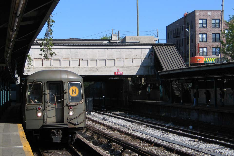 (117k, 960x640)<br><b>Country:</b> United States<br><b>City:</b> New York<br><b>System:</b> New York City Transit<br><b>Line:</b> BMT Sea Beach Line<br><b>Location:</b> 8th Avenue <br><b>Route:</b> N<br><b>Car:</b> R-68/R-68A Series (Number Unknown)  <br><b>Photo by:</b> Michael Pompili<br><b>Date:</b> 5/6/2004<br><b>Viewed (this week/total):</b> 6 / 2577