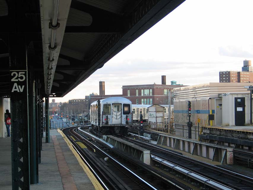 (90k, 853x640)<br><b>Country:</b> United States<br><b>City:</b> New York<br><b>System:</b> New York City Transit<br><b>Line:</b> BMT West End Line<br><b>Location:</b> 25th Avenue <br><b>Route:</b> M<br><b>Car:</b> R-42 (St. Louis, 1969-1970)  4562 <br><b>Photo by:</b> Michael Pompili<br><b>Date:</b> 12/8/2004<br><b>Viewed (this week/total):</b> 2 / 2986