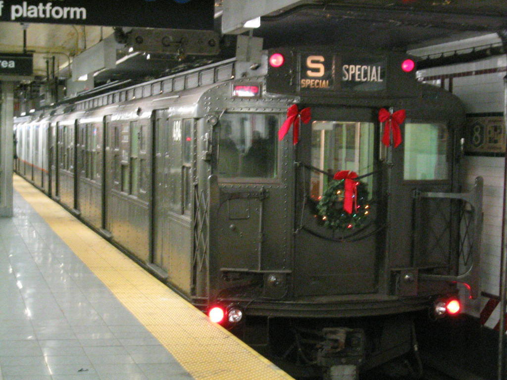 (134k, 1024x768)<br><b>Country:</b> United States<br><b>City:</b> New York<br><b>System:</b> New York City Transit<br><b>Line:</b> BMT Canarsie Line<br><b>Location:</b> 8th Avenue <br><b>Route:</b> Fan Trip<br><b>Car:</b> R-4 (American Car & Foundry, 1932-1933) 484 <br><b>Photo by:</b> Jeremy Whiteman<br><b>Date:</b> 12/27/2003<br><b>Viewed (this week/total):</b> 5 / 2025