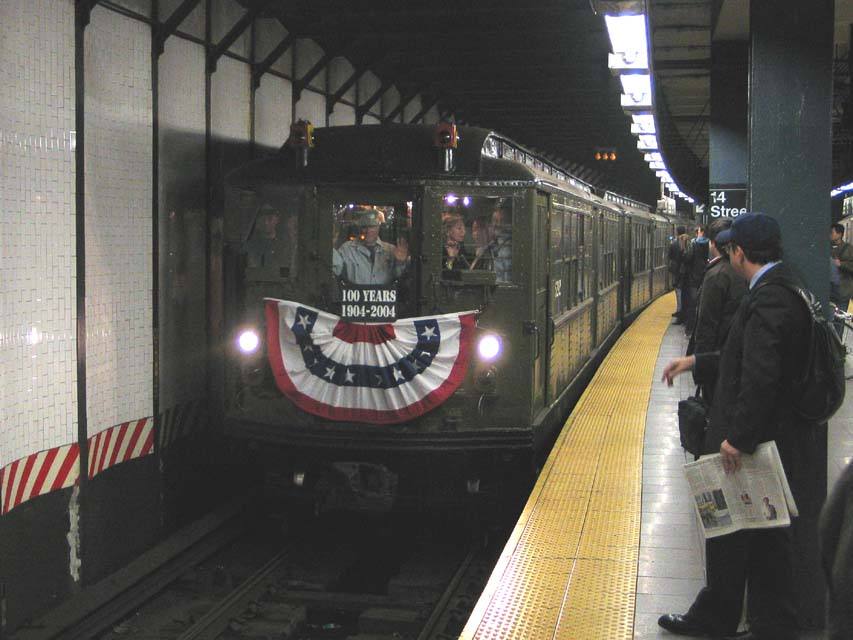(84k, 853x640)<br><b>Country:</b> United States<br><b>City:</b> New York<br><b>System:</b> New York City Transit<br><b>Line:</b> IRT East Side Line<br><b>Location:</b> 14th Street/Union Square <br><b>Route:</b> Fan Trip<br><b>Car:</b> Low-V (Museum Train) 5292 <br><b>Photo by:</b> Michael Pompili<br><b>Date:</b> 10/27/2004<br><b>Viewed (this week/total):</b> 3 / 2811
