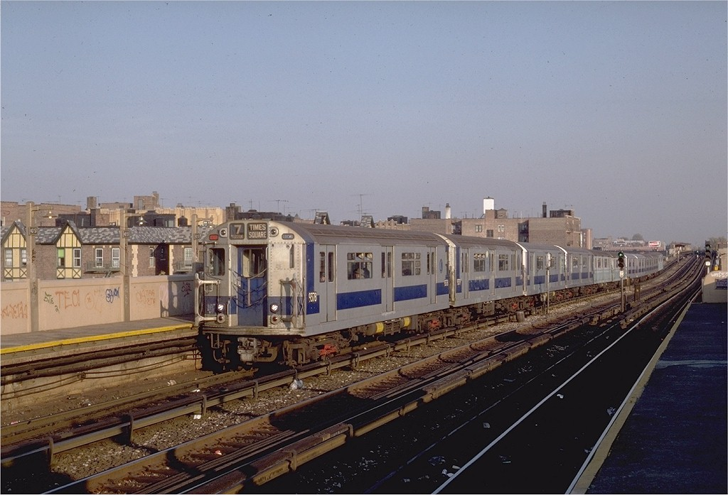 (180k, 1024x697)<br><b>Country:</b> United States<br><b>City:</b> New York<br><b>System:</b> New York City Transit<br><b>Line:</b> IRT Flushing Line<br><b>Location:</b> 40th Street/Lowery Street <br><b>Route:</b> 7<br><b>Car:</b> R-36 World's Fair (St. Louis, 1963-64) 9378 <br><b>Photo by:</b> Steve Zabel<br><b>Collection of:</b> Joe Testagrose<br><b>Date:</b> 11/2/1981<br><b>Viewed (this week/total):</b> 4 / 2962