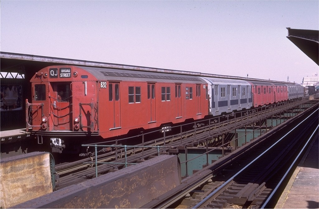(182k, 1024x670)<br><b>Country:</b> United States<br><b>City:</b> New York<br><b>System:</b> New York City Transit<br><b>Line:</b> BMT Nassau Street/Jamaica Line<br><b>Location:</b> Metropolitan Avenue (Demolished) <br><b>Route:</b> QJ<br><b>Car:</b> R-27 (St. Louis, 1960)  8212 <br><b>Photo by:</b> Doug Grotjahn<br><b>Collection of:</b> Joe Testagrose<br><b>Date:</b> 3/26/1972<br><b>Viewed (this week/total):</b> 0 / 2525