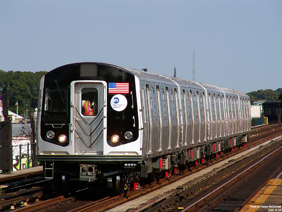 (148k, 900x675)<br><b>Country:</b> United States<br><b>City:</b> New York<br><b>System:</b> New York City Transit<br><b>Line:</b> IND Fulton Street Line<br><b>Location:</b> 88th Street/Boyd Avenue <br><b>Car:</b> R-160B (Kawasaki, 2005-2008)  8713 <br><b>Photo by:</b> Robert McConnell<br><b>Date:</b> 10/4/2005<br><b>Notes:</b> New R160B cars - testing.<br><b>Viewed (this week/total):</b> 4 / 4360