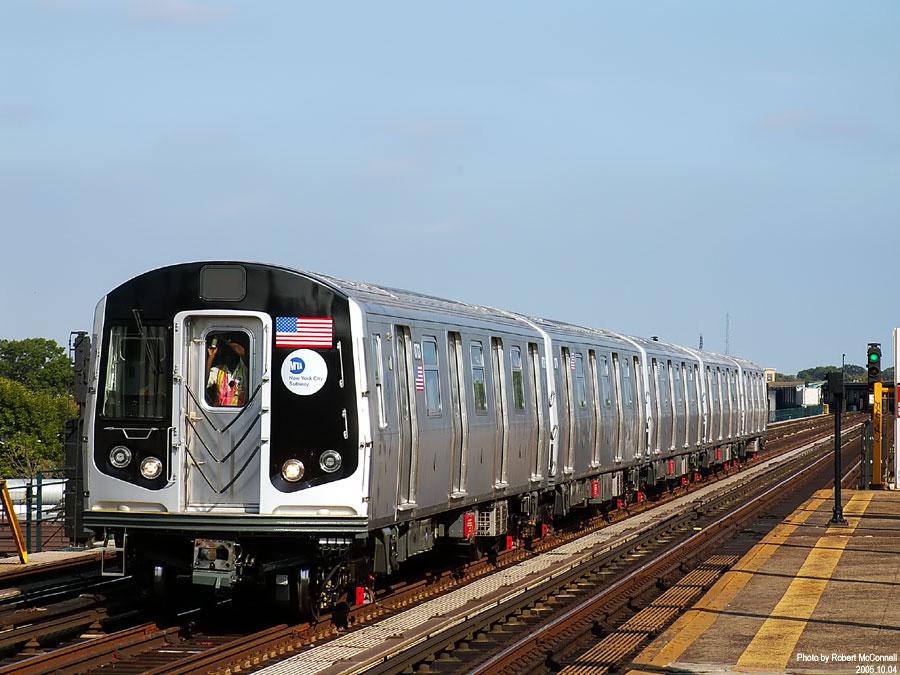(141k, 900x675)<br><b>Country:</b> United States<br><b>City:</b> New York<br><b>System:</b> New York City Transit<br><b>Line:</b> IND Fulton Street Line<br><b>Location:</b> 88th Street/Boyd Avenue <br><b>Car:</b> R-160B (Kawasaki, 2005-2008)  8713 <br><b>Photo by:</b> Robert McConnell<br><b>Date:</b> 10/4/2005<br><b>Notes:</b> New R160B cars - testing.<br><b>Viewed (this week/total):</b> 1 / 20852
