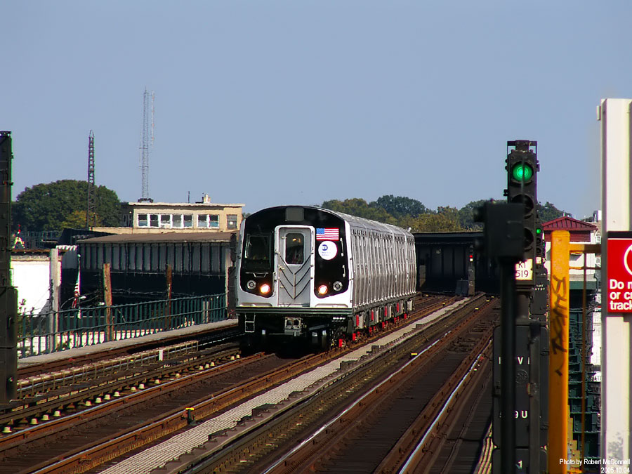 (138k, 900x675)<br><b>Country:</b> United States<br><b>City:</b> New York<br><b>System:</b> New York City Transit<br><b>Line:</b> IND Fulton Street Line<br><b>Location:</b> 88th Street/Boyd Avenue <br><b>Car:</b> R-160B (Kawasaki, 2005-2008)  8713 <br><b>Photo by:</b> Robert McConnell<br><b>Date:</b> 10/4/2005<br><b>Notes:</b> New R160B cars - testing.<br><b>Viewed (this week/total):</b> 0 / 4877
