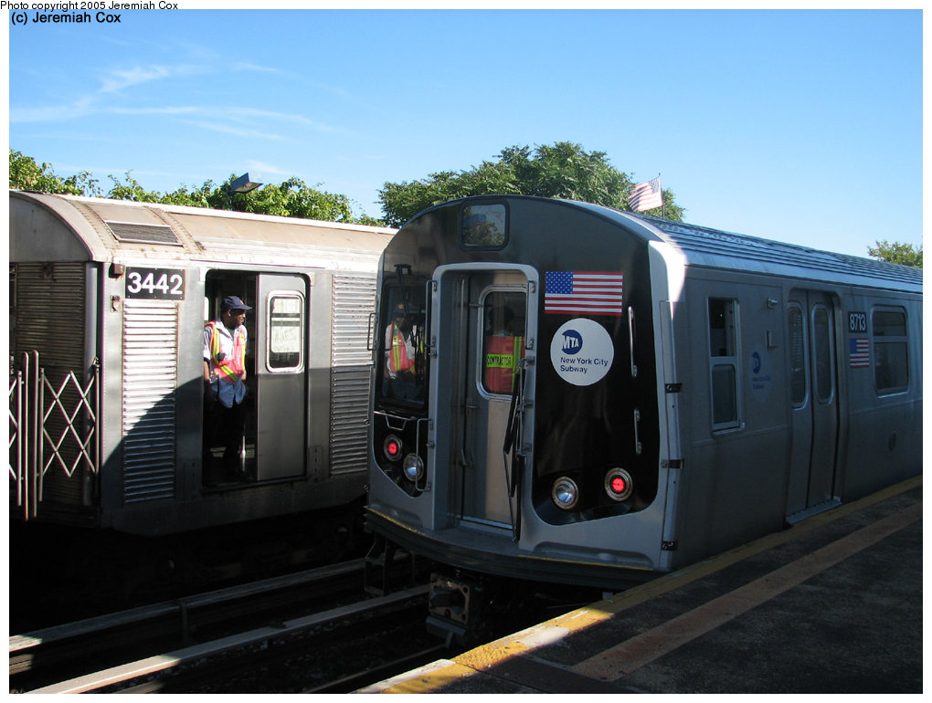 (156k, 1020x770)<br><b>Country:</b> United States<br><b>City:</b> New York<br><b>System:</b> New York City Transit<br><b>Line:</b> IND Rockaway<br><b>Location:</b> Broad Channel <br><b>Car:</b> R-160B (Kawasaki, 2005-2008)  8713 <br><b>Photo by:</b> Jeremiah Cox<br><b>Date:</b> 9/30/2005<br><b>Notes:</b> R160B cars being tested.<br><b>Viewed (this week/total):</b> 2 / 4770