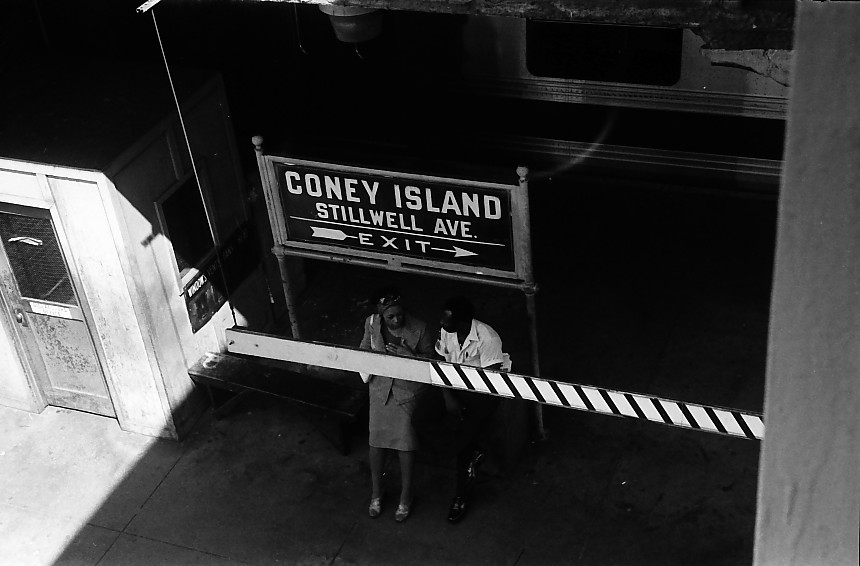 (87k, 860x566)<br><b>Country:</b> United States<br><b>City:</b> New York<br><b>System:</b> New York City Transit<br><b>Location:</b> Coney Island/Stillwell Avenue<br><b>Photo by:</b> Stuart Gitlow<br><b>Date:</b> 10/1977<br><b>Viewed (this week/total):</b> 0 / 1099
