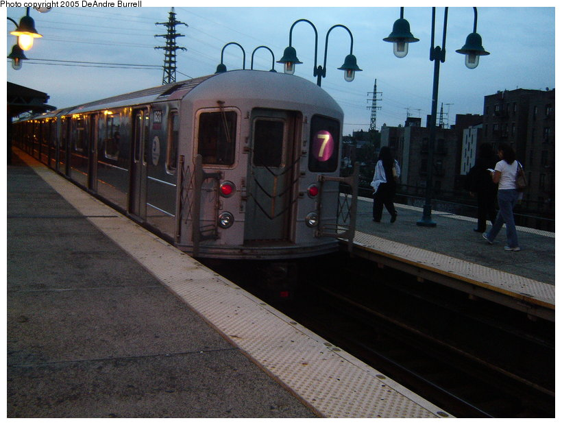 (121k, 820x620)<br><b>Country:</b> United States<br><b>City:</b> New York<br><b>System:</b> New York City Transit<br><b>Line:</b> IRT Flushing Line<br><b>Location:</b> 61st Street/Woodside <br><b>Route:</b> 7<br><b>Car:</b> R-62A (Bombardier, 1984-1987)  1831 <br><b>Photo by:</b> DeAndre Burrell<br><b>Date:</b> 9/23/2005<br><b>Viewed (this week/total):</b> 0 / 1587