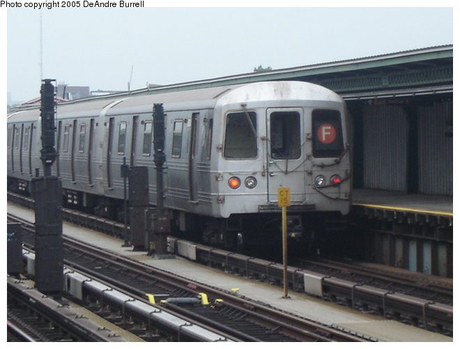 (66k, 660x500)<br><b>Country:</b> United States<br><b>City:</b> New York<br><b>System:</b> New York City Transit<br><b>Line:</b> BMT Culver Line<br><b>Location:</b> Avenue X <br><b>Route:</b> F<br><b>Car:</b> R-46 (Pullman-Standard, 1974-75) 5800 <br><b>Photo by:</b> DeAndre Burrell<br><b>Date:</b> 8/8/2005<br><b>Viewed (this week/total):</b> 0 / 2325