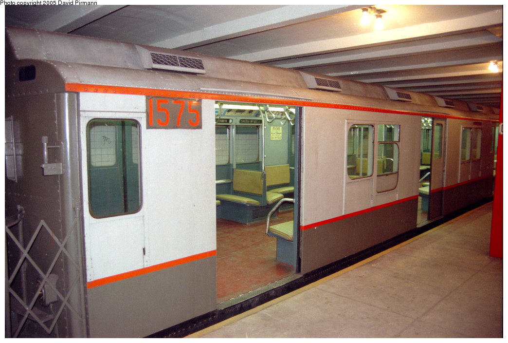 (185k, 1044x704)<br><b>Country:</b> United States<br><b>City:</b> New York<br><b>System:</b> New York City Transit<br><b>Location:</b> New York Transit Museum<br><b>Car:</b> R-7A (Pullman, 1938)  1575 <br><b>Photo by:</b> David Pirmann<br><b>Date:</b> 10/1/1995<br><b>Viewed (this week/total):</b> 3 / 2564