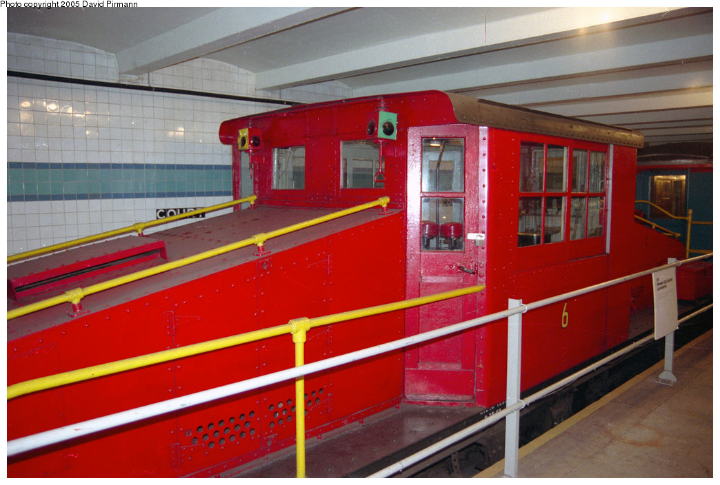 (203k, 1044x704)<br><b>Country:</b> United States<br><b>City:</b> New York<br><b>System:</b> New York City Transit<br><b>Location:</b> New York Transit Museum<br><b>Car:</b> SBK Steeplecab 6 <br><b>Photo by:</b> David Pirmann<br><b>Date:</b> 10/1/1995<br><b>Viewed (this week/total):</b> 1 / 2534