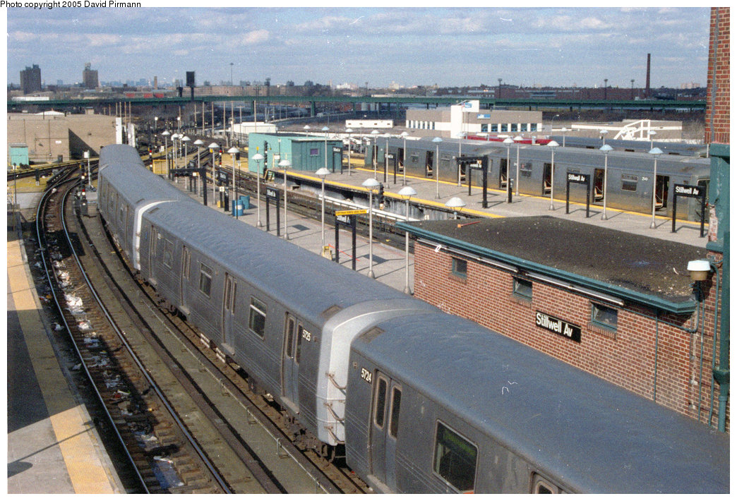 (288k, 1044x710)<br><b>Country:</b> United States<br><b>City:</b> New York<br><b>System:</b> New York City Transit<br><b>Location:</b> Coney Island/Stillwell Avenue<br><b>Route:</b> F<br><b>Car:</b> R-46 (Pullman-Standard, 1974-75) 5725 <br><b>Photo by:</b> David Pirmann<br><b>Date:</b> 2/24/1996<br><b>Viewed (this week/total):</b> 5 / 3850