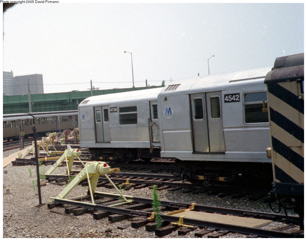 (222k, 1044x821)<br><b>Country:</b> United States<br><b>City:</b> New York<br><b>System:</b> New York City Transit<br><b>Location:</b> Coney Island Yard<br><b>Car:</b> R-42 (St. Louis, 1969-1970)  4736 <br><b>Photo by:</b> David Pirmann<br><b>Date:</b> 7/23/1995<br><b>Notes:</b> With R40M 4542.<br><b>Viewed (this week/total):</b> 4 / 2370