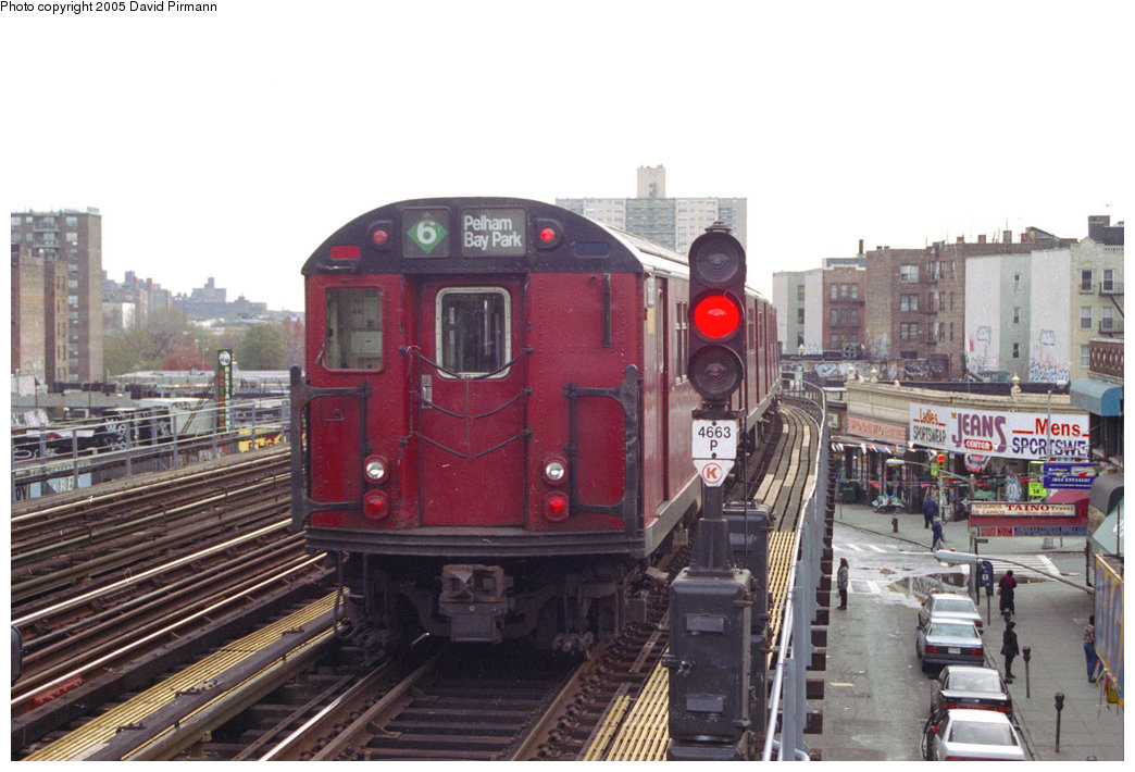 (199k, 1044x710)<br><b>Country:</b> United States<br><b>City:</b> New York<br><b>System:</b> New York City Transit<br><b>Line:</b> IRT Pelham Line<br><b>Location:</b> Elder Avenue <br><b>Route:</b> 6<br><b>Car:</b> R-33 Main Line (St. Louis, 1962-63)  <br><b>Photo by:</b> David Pirmann<br><b>Date:</b> 11/18/1995<br><b>Viewed (this week/total):</b> 1 / 3953