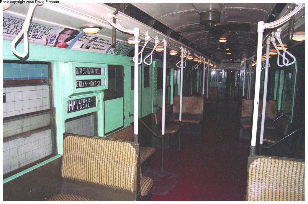 (228k, 1044x693)<br><b>Country:</b> United States<br><b>City:</b> New York<br><b>System:</b> New York City Transit<br><b>Location:</b> New York Transit Museum<br><b>Car:</b> R-4 (American Car & Foundry, 1932-1933) 484 <br><b>Photo by:</b> David Pirmann<br><b>Date:</b> 12/10/1995<br><b>Viewed (this week/total):</b> 2 / 2385