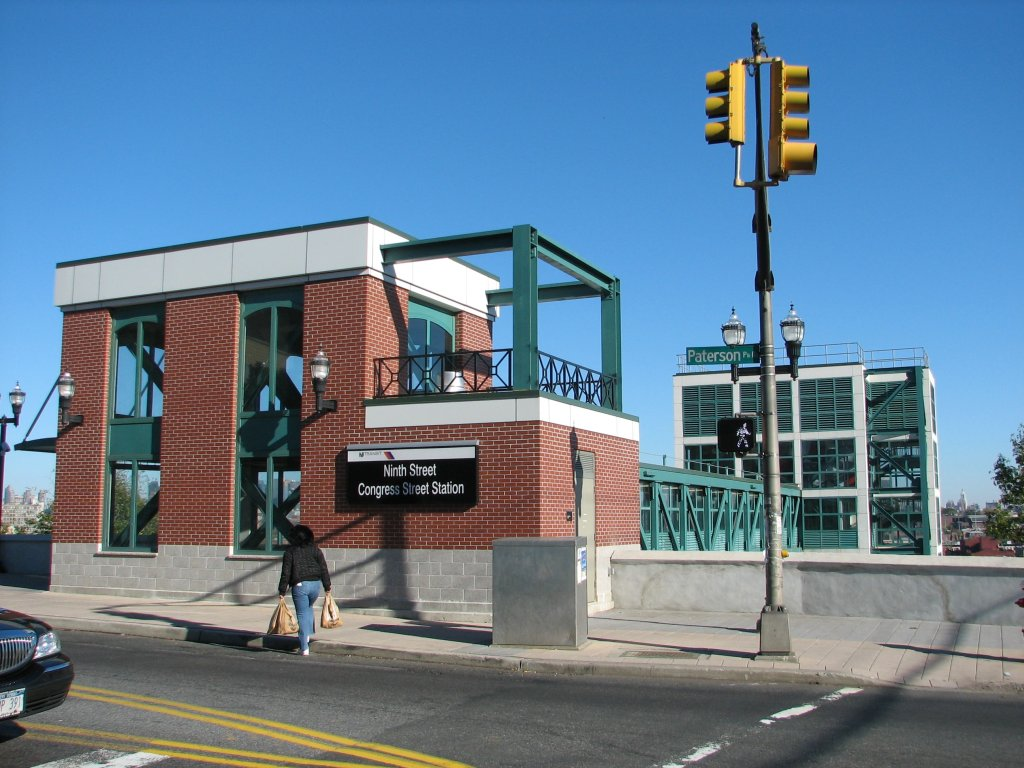 (156k, 1024x768)<br><b>Country:</b> United States<br><b>City:</b> Hoboken, NJ<br><b>System:</b> Hudson Bergen Light Rail<br><b>Location:</b> 9th Street <br><b>Photo by:</b> Brian Weinberg<br><b>Date:</b> 10/30/2005<br><b>Notes:</b> NJT HBLR Ninth Street - Congress Street station at the top of the palisades. Elevator goes down to track level.<br><b>Viewed (this week/total):</b> 0 / 2603