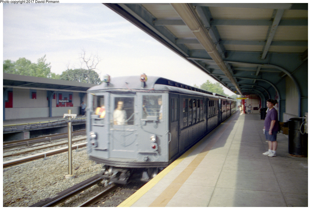 (175k, 1044x701)<br><b>Country:</b> United States<br><b>City:</b> New York<br><b>System:</b> New York City Transit<br><b>Line:</b> IRT Dyre Ave. Line<br><b>Location:</b> Baychester Avenue <br><b>Route:</b> Fan Trip<br><b>Car:</b> Low-V (Museum Train) 5292 <br><b>Photo by:</b> David Pirmann<br><b>Date:</b> 9/13/1998<br><b>Viewed (this week/total):</b> 3 / 1809
