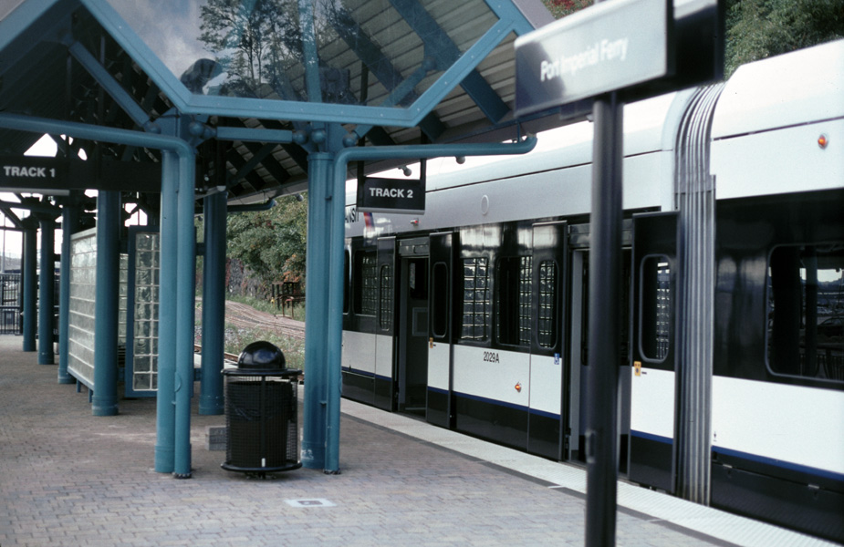 (189k, 925x600)<br><b>Country:</b> United States<br><b>City:</b> Weehawken, NJ<br><b>System:</b> Hudson Bergen Light Rail<br><b>Location:</b> Port Imperial <br><b>Car:</b> NJT-HBLR LRV (Kinki-Sharyo, 1998-99)  2022 <br><b>Photo by:</b> Chris Leverett<br><b>Date:</b> 10/16/2004<br><b>Viewed (this week/total):</b> 0 / 1525