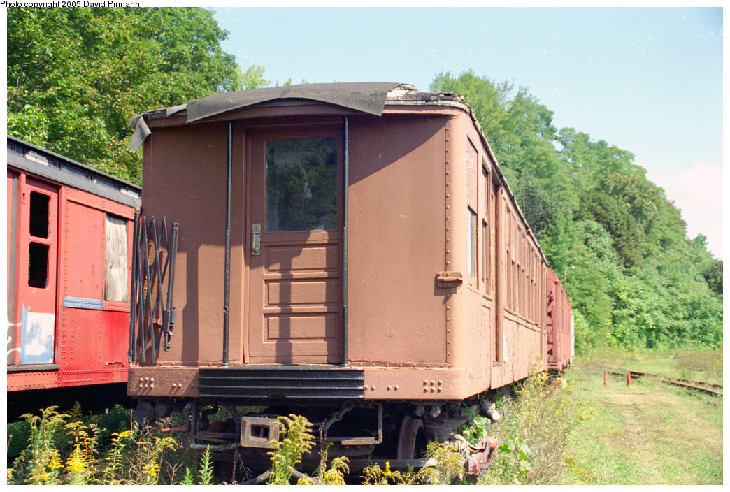 (255k, 1044x704)<br><b>Country:</b> United States<br><b>City:</b> Kingston, NY<br><b>System:</b> Trolley Museum of New York <br><b>Car:</b> BMT Q 1602A <br><b>Photo by:</b> David Pirmann<br><b>Date:</b> 8/1996<br><b>Viewed (this week/total):</b> 4 / 2335