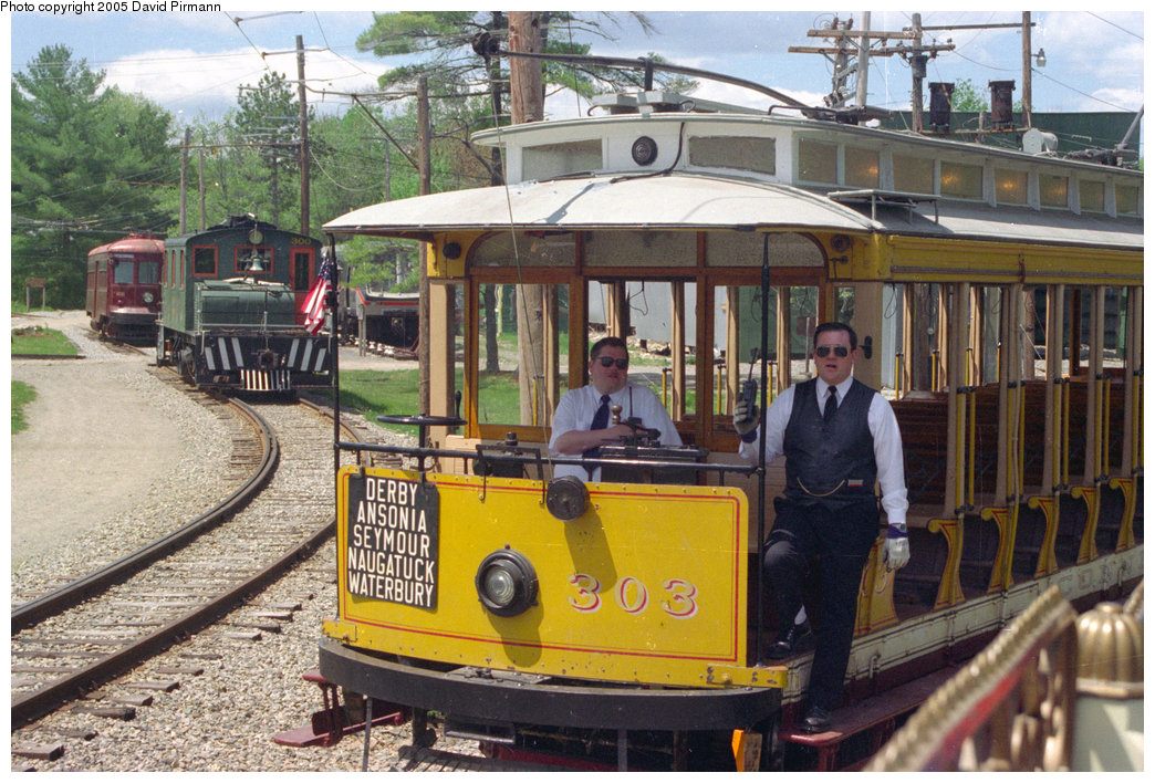 (266k, 1044x708)<br><b>Country:</b> United States<br><b>City:</b> Kennebunk, ME<br><b>System:</b> Seashore Trolley Museum <br><b>Car:</b> Connecticut Company 303 <br><b>Photo by:</b> David Pirmann<br><b>Date:</b> 5/25/1996<br><b>Viewed (this week/total):</b> 2 / 932