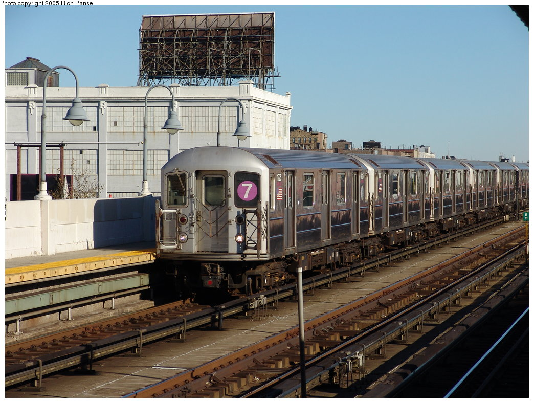 (223k, 1044x788)<br><b>Country:</b> United States<br><b>City:</b> New York<br><b>System:</b> New York City Transit<br><b>Line:</b> IRT Flushing Line<br><b>Location:</b> 33rd Street/Rawson Street <br><b>Route:</b> 7<br><b>Car:</b> R-62A (Bombardier, 1984-1987)  1725 <br><b>Photo by:</b> Richard Panse<br><b>Date:</b> 11/14/2005<br><b>Viewed (this week/total):</b> 1 / 2052