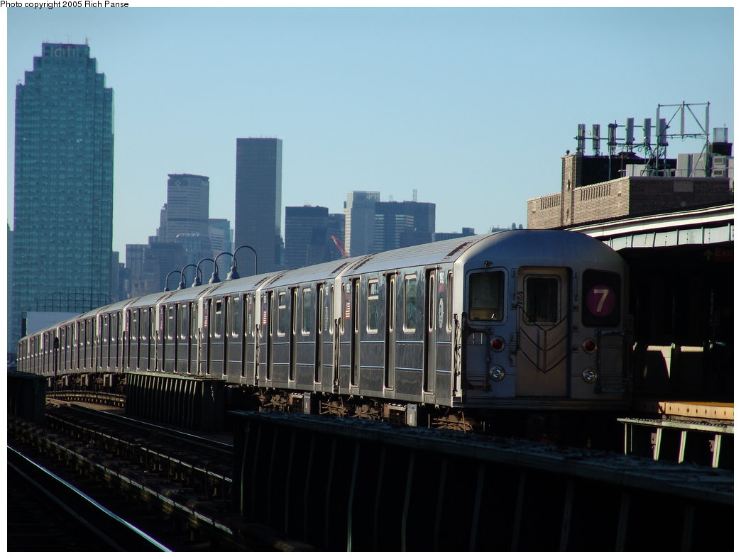 (145k, 1044x788)<br><b>Country:</b> United States<br><b>City:</b> New York<br><b>System:</b> New York City Transit<br><b>Line:</b> IRT Flushing Line<br><b>Location:</b> 46th Street/Bliss Street <br><b>Route:</b> 7<br><b>Car:</b> R-62A (Bombardier, 1984-1987)  1982 <br><b>Photo by:</b> Richard Panse<br><b>Date:</b> 11/14/2005<br><b>Viewed (this week/total):</b> 1 / 1958