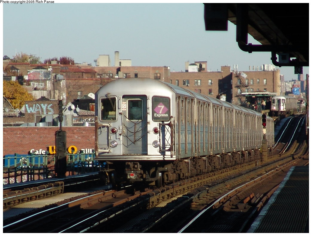 (203k, 1044x788)<br><b>Country:</b> United States<br><b>City:</b> New York<br><b>System:</b> New York City Transit<br><b>Line:</b> IRT Flushing Line<br><b>Location:</b> 74th Street/Broadway <br><b>Route:</b> 7<br><b>Car:</b> R-62A (Bombardier, 1984-1987)   <br><b>Photo by:</b> Richard Panse<br><b>Date:</b> 11/14/2005<br><b>Viewed (this week/total):</b> 0 / 2369