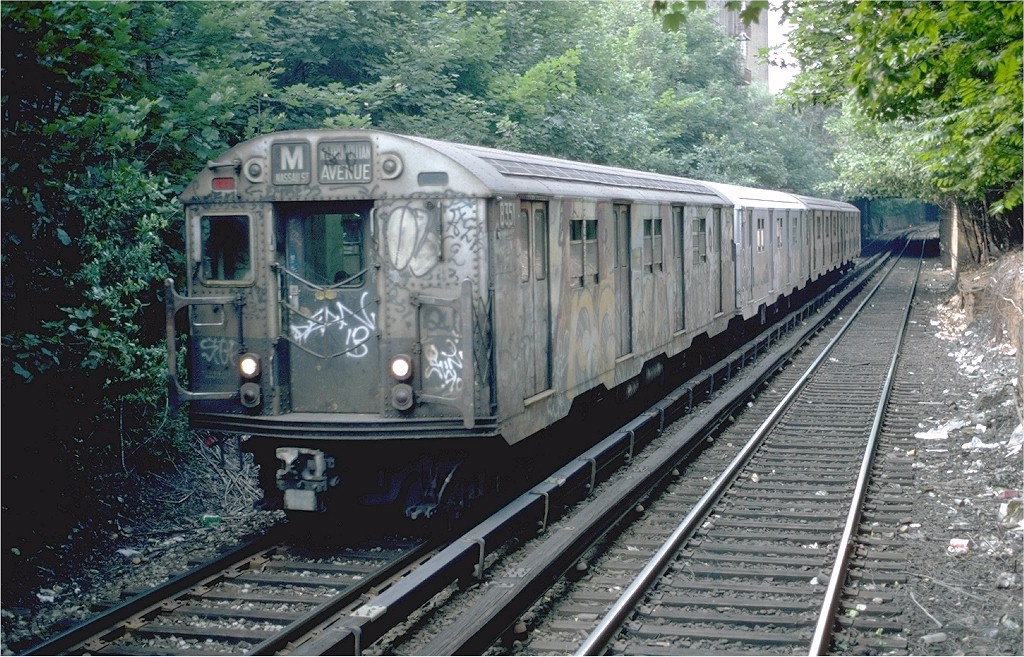 (273k, 1024x657)<br><b>Country:</b> United States<br><b>City:</b> New York<br><b>System:</b> New York City Transit<br><b>Line:</b> BMT Franklin<br><b>Location:</b> Park Place <br><b>Route:</b> Franklin Shuttle<br><b>Car:</b> R-27 (St. Louis, 1960)  8189 <br><b>Photo by:</b> Steve Zabel<br><b>Collection of:</b> Joe Testagrose<br><b>Date:</b> 6/9/1982<br><b>Viewed (this week/total):</b> 4 / 3302