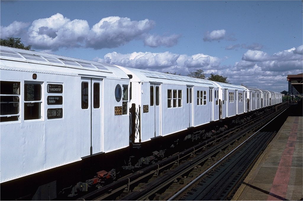 (214k, 1024x680)<br><b>Country:</b> United States<br><b>City:</b> New York<br><b>System:</b> New York City Transit<br><b>Line:</b> IRT Pelham Line<br><b>Location:</b> Westchester Square <br><b>Route:</b> 6<br><b>Car:</b> R-33 Main Line (St. Louis, 1962-63) 9115 <br><b>Photo by:</b> Steve Zabel<br><b>Collection of:</b> Joe Testagrose<br><b>Date:</b> 10/16/1982<br><b>Viewed (this week/total):</b> 4 / 1639