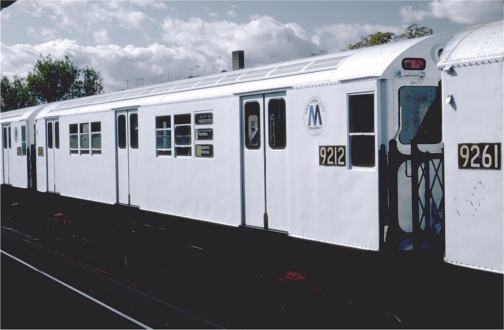 (146k, 1024x672)<br><b>Country:</b> United States<br><b>City:</b> New York<br><b>System:</b> New York City Transit<br><b>Line:</b> IRT Pelham Line<br><b>Location:</b> Westchester Square <br><b>Route:</b> 6<br><b>Car:</b> R-33 Main Line (St. Louis, 1962-63) 9212 <br><b>Photo by:</b> Steve Zabel<br><b>Collection of:</b> Joe Testagrose<br><b>Date:</b> 10/16/1982<br><b>Viewed (this week/total):</b> 0 / 1580