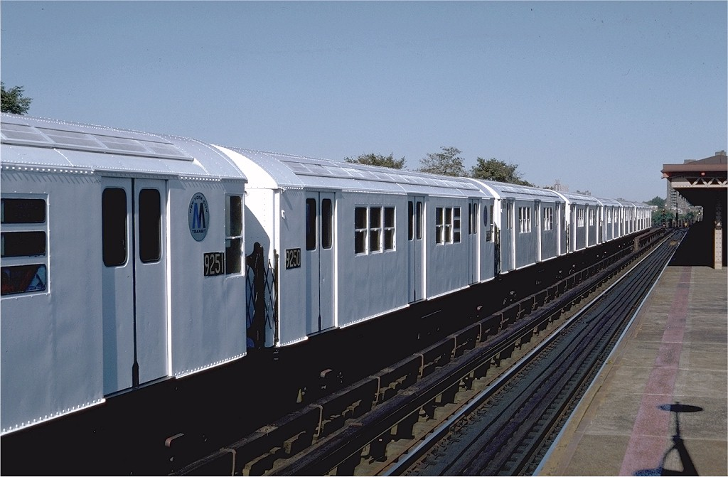 (161k, 1024x671)<br><b>Country:</b> United States<br><b>City:</b> New York<br><b>System:</b> New York City Transit<br><b>Line:</b> IRT Pelham Line<br><b>Location:</b> Westchester Square <br><b>Route:</b> 6<br><b>Car:</b> R-33 Main Line (St. Louis, 1962-63) 9250 <br><b>Photo by:</b> Steve Zabel<br><b>Collection of:</b> Joe Testagrose<br><b>Date:</b> 10/16/1982<br><b>Viewed (this week/total):</b> 0 / 2176