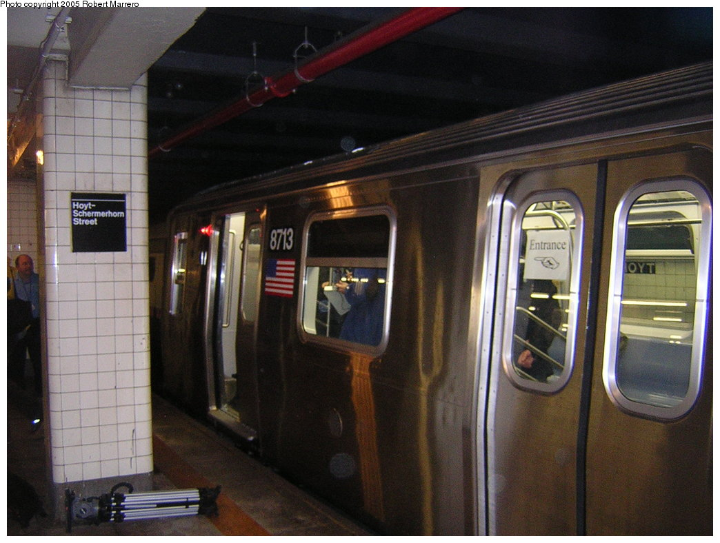 (198k, 1044x788)<br><b>Country:</b> United States<br><b>City:</b> New York<br><b>System:</b> New York City Transit<br><b>Line:</b> IND Fulton Street Line<br><b>Location:</b> Hoyt-Schermerhorn Street <br><b>Car:</b> R-160B (Kawasaki, 2005-2008)  8713 <br><b>Photo by:</b> Robert Mencher<br><b>Date:</b> 11/29/2005<br><b>Notes:</b> Car was on display for the public evaluation of FIND (Flexible Information and Notice Display).<br><b>Viewed (this week/total):</b> 2 / 3854