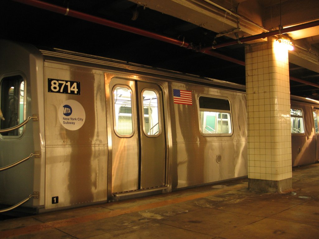 (123k, 1024x768)<br><b>Country:</b> United States<br><b>City:</b> New York<br><b>System:</b> New York City Transit<br><b>Line:</b> IND Fulton Street Line<br><b>Location:</b> Hoyt-Schermerhorn Street <br><b>Car:</b> R-160B (Kawasaki, 2005-2008)  8714 <br><b>Photo by:</b> Brian Weinberg<br><b>Date:</b> 11/29/2005<br><b>Notes:</b> Train was on display for the public evaluation of FIND (Flexible Information and Notice Display).<br><b>Viewed (this week/total):</b> 0 / 7184