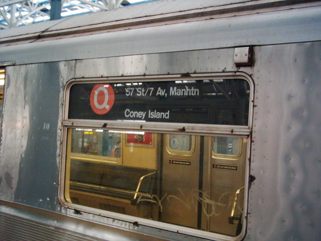 (104k, 1024x768)<br><b>Country:</b> United States<br><b>City:</b> New York<br><b>System:</b> New York City Transit<br><b>Location:</b> Coney Island/Stillwell Avenue<br><b>Route:</b> Q<br><b>Car:</b> R-40 (St. Louis, 1968)   <br><b>Photo by:</b> Michael Hodurski<br><b>Date:</b> 12/11/2005<br><b>Viewed (this week/total):</b> 3 / 4009