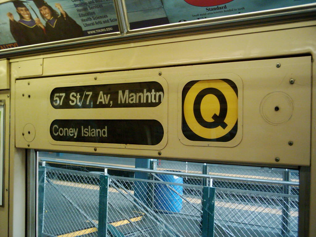 (145k, 1024x768)<br><b>Country:</b> United States<br><b>City:</b> New York<br><b>System:</b> New York City Transit<br><b>Location:</b> Coney Island/Stillwell Avenue<br><b>Route:</b> Q<br><b>Car:</b> R-40 (St. Louis, 1968)   <br><b>Photo by:</b> Michael Hodurski<br><b>Date:</b> 12/11/2005<br><b>Viewed (this week/total):</b> 9 / 4395