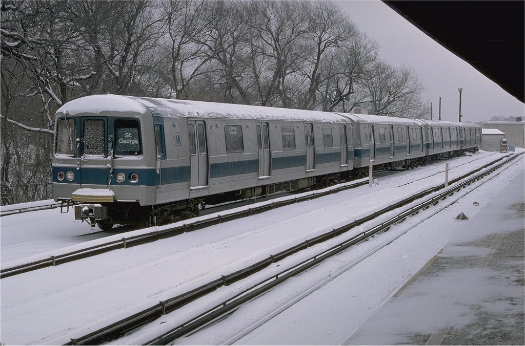 (237k, 1024x676)<br><b>Country:</b> United States<br><b>City:</b> New York<br><b>System:</b> New York City Transit<br><b>Line:</b> SIRT<br><b>Location:</b> Tottenville <br><b>Car:</b> R-44 SIRT (St. Louis, 1971-1973) 442 <br><b>Photo by:</b> Doug Grotjahn<br><b>Collection of:</b> Joe Testagrose<br><b>Date:</b> 1/16/1977<br><b>Viewed (this week/total):</b> 3 / 6549