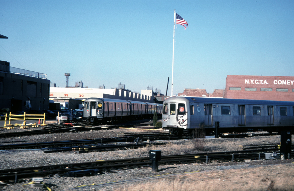 (240k, 1024x666)<br><b>Country:</b> United States<br><b>City:</b> New York<br><b>System:</b> New York City Transit<br><b>Location:</b> Coney Island Yard<br><b>Car:</b> R-46 (Pullman-Standard, 1974-75) 5742 <br><b>Photo by:</b> Chris Leverett<br><b>Date:</b> 12/8/1996<br><b>Viewed (this week/total):</b> 3 / 2991