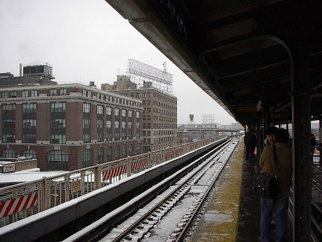 (103k, 640x480)<br><b>Country:</b> United States<br><b>City:</b> New York<br><b>System:</b> New York City Transit<br><b>Location:</b> Queensborough Plaza <br><b>Photo by:</b> Bruce Fedow<br><b>Date:</b> 12/4/2005<br><b>Notes:</b> View of north side of Queensborough Plz.<br><b>Viewed (this week/total):</b> 0 / 1928