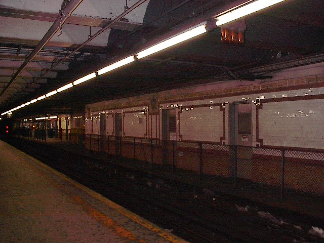(92k, 640x480)<br><b>Country:</b> United States<br><b>City:</b> New York<br><b>System:</b> New York City Transit<br><b>Line:</b> IRT West Side Line<br><b>Location:</b> 96th Street <br><b>Photo by:</b> Bruce Fedow<br><b>Date:</b> 12/4/2005<br><b>Notes:</b> Disused platform area on northbound local side.<br><b>Viewed (this week/total):</b> 0 / 2604