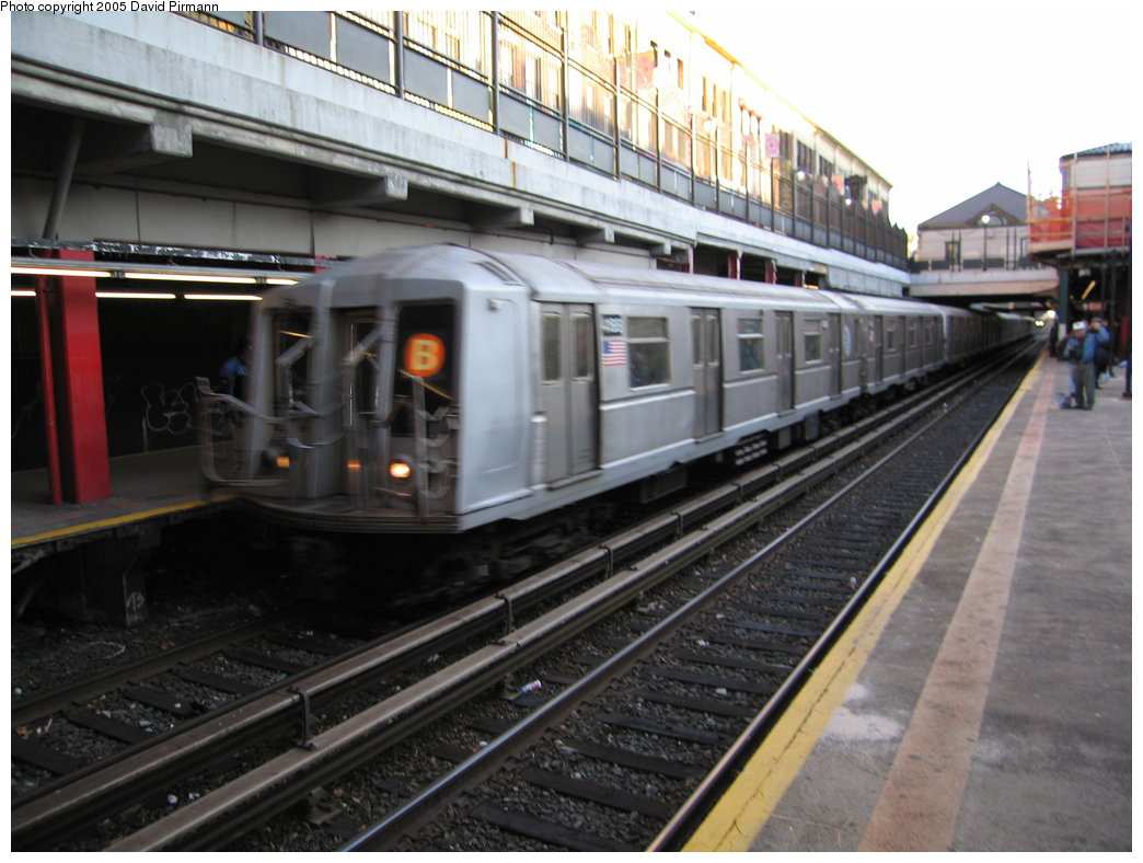 (164k, 1044x788)<br><b>Country:</b> United States<br><b>City:</b> New York<br><b>System:</b> New York City Transit<br><b>Line:</b> BMT Brighton Line<br><b>Location:</b> Newkirk Plaza (fmrly Newkirk Ave.) <br><b>Route:</b> B<br><b>Car:</b> R-40 (St. Louis, 1968)  4188 <br><b>Photo by:</b> David Pirmann<br><b>Date:</b> 12/30/2005<br><b>Viewed (this week/total):</b> 2 / 3821