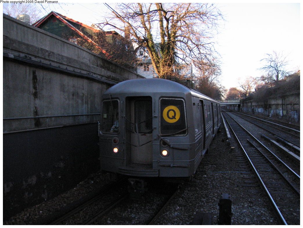 (211k, 1044x788)<br><b>Country:</b> United States<br><b>City:</b> New York<br><b>System:</b> New York City Transit<br><b>Line:</b> BMT Brighton Line<br><b>Location:</b> Newkirk Plaza (fmrly Newkirk Ave.) <br><b>Route:</b> Q<br><b>Car:</b> R-68 (Westinghouse-Amrail, 1986-1988)  2850 <br><b>Photo by:</b> David Pirmann<br><b>Date:</b> 12/30/2005<br><b>Viewed (this week/total):</b> 0 / 2484