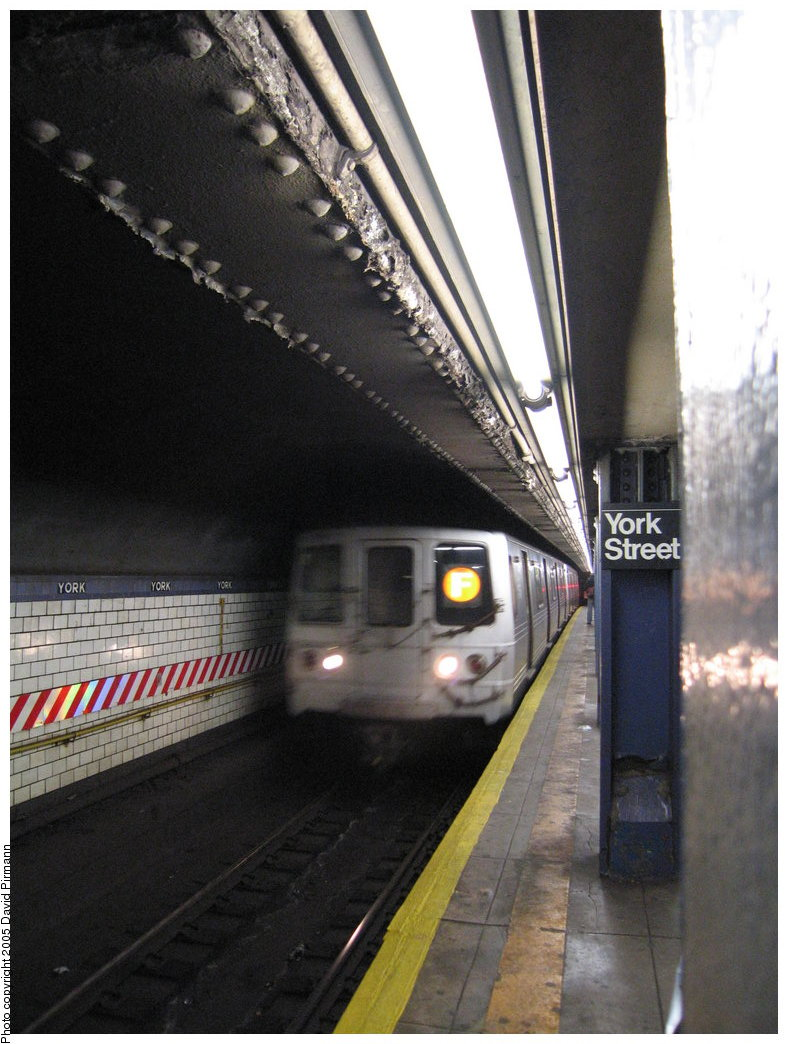 (170k, 788x1044)<br><b>Country:</b> United States<br><b>City:</b> New York<br><b>System:</b> New York City Transit<br><b>Line:</b> IND 6th Avenue Line<br><b>Location:</b> York Street <br><b>Route:</b> F<br><b>Car:</b> R-46 (Pullman-Standard, 1974-75) 5880 <br><b>Photo by:</b> Richard Panse<br><b>Date:</b> 12/30/2005<br><b>Viewed (this week/total):</b> 1 / 4582