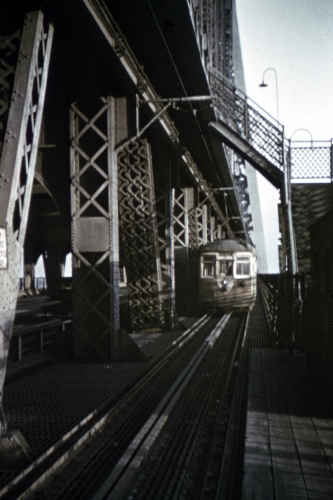 (212k, 688x1024)<br><b>Country:</b> United States<br><b>City:</b> New York<br><b>System:</b> Queensborough Bridge Railway<br><b>Location:</b> Queensborough Bridge <br><b>Collection of:</b> David Pirmann<br><b>Viewed (this week/total):</b> 0 / 4281