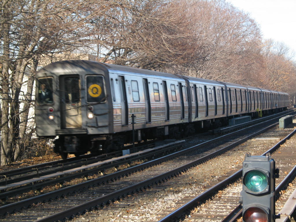 (192k, 1024x768)<br><b>Country:</b> United States<br><b>City:</b> New York<br><b>System:</b> New York City Transit<br><b>Line:</b> BMT Brighton Line<br><b>Location:</b> Kings Highway <br><b>Route:</b> Q<br><b>Car:</b> R-68 (Westinghouse-Amrail, 1986-1988)  2776 <br><b>Photo by:</b> Neil Feldman<br><b>Date:</b> 12/30/2005<br><b>Viewed (this week/total):</b> 0 / 3005