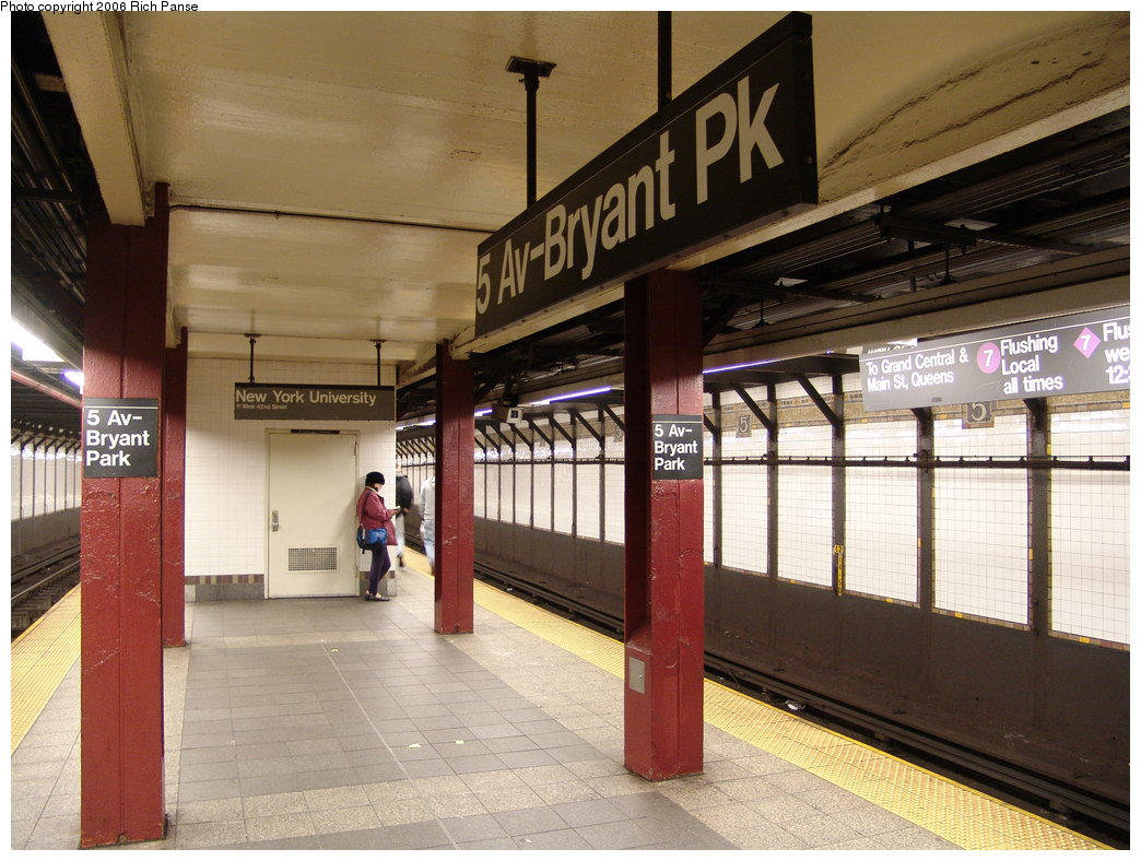 (202k, 1044x788)<br><b>Country:</b> United States<br><b>City:</b> New York<br><b>System:</b> New York City Transit<br><b>Line:</b> IRT Flushing Line<br><b>Location:</b> 5th Avenue <br><b>Photo by:</b> Richard Panse<br><b>Date:</b> 12/30/2005<br><b>Viewed (this week/total):</b> 4 / 2474