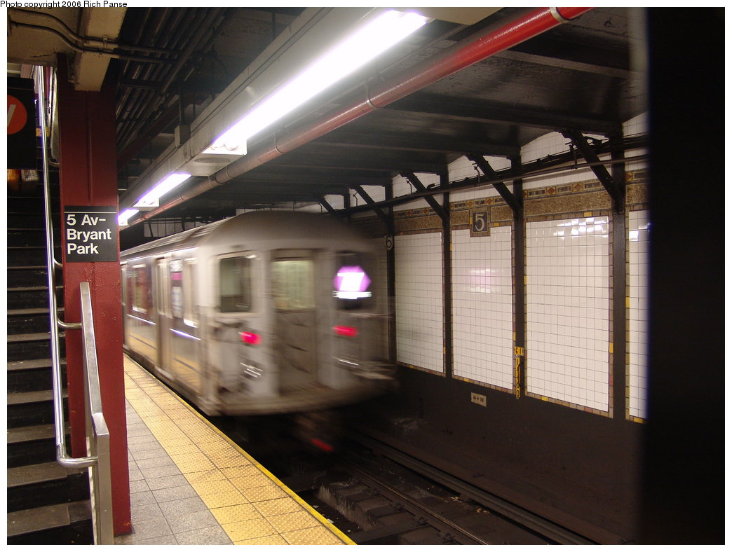 (172k, 1044x788)<br><b>Country:</b> United States<br><b>City:</b> New York<br><b>System:</b> New York City Transit<br><b>Line:</b> IRT Flushing Line<br><b>Location:</b> 5th Avenue <br><b>Route:</b> 7<br><b>Car:</b> R-62A (Bombardier, 1984-1987)  2119 <br><b>Photo by:</b> Richard Panse<br><b>Date:</b> 12/30/2005<br><b>Viewed (this week/total):</b> 0 / 3678