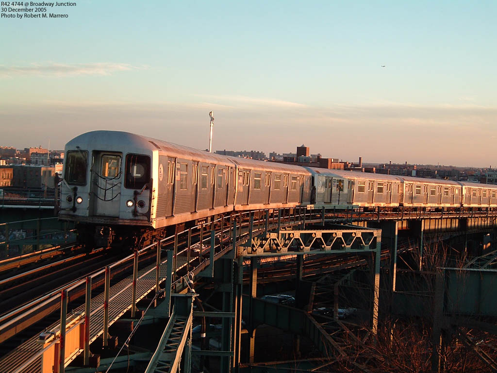 (170k, 1024x768)<br><b>Country:</b> United States<br><b>City:</b> New York<br><b>System:</b> New York City Transit<br><b>Line:</b> BMT Canarsie Line<br><b>Location:</b> Broadway Junction <br><b>Car:</b> R-42 (St. Louis, 1969-1970)  4744 <br><b>Photo by:</b> Robert Marrero<br><b>Date:</b> 12/30/2005<br><b>Viewed (this week/total):</b> 3 / 4525