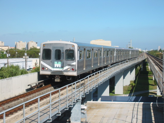 (103k, 640x480)<br><b>Country:</b> United States<br><b>City:</b> Miami, FL<br><b>System:</b> Miami Metrorail<br><b>Location:</b> South Miami <br><b>Car:</b>  167 <br><b>Photo by:</b> Oren H.<br><b>Date:</b> 12/28/2005<br><b>Viewed (this week/total):</b> 0 / 3250