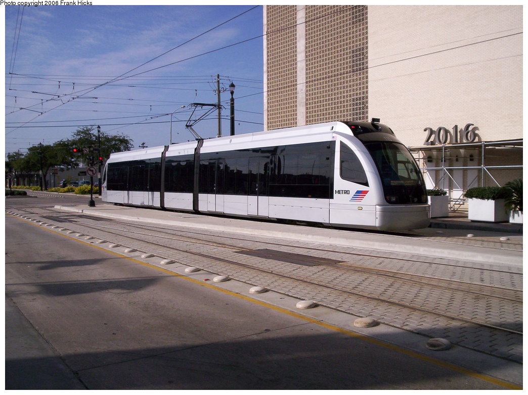 (197k, 1044x780)<br><b>Country:</b> United States<br><b>City:</b> Houston, TX<br><b>System:</b> Houston METRORail<br><b>Location:</b> Main & Gray <br><b>Car:</b> Siemens Avanto 116 <br><b>Photo by:</b> Frank Hicks<br><b>Date:</b> 1/9/2006<br><b>Viewed (this week/total):</b> 0 / 2286