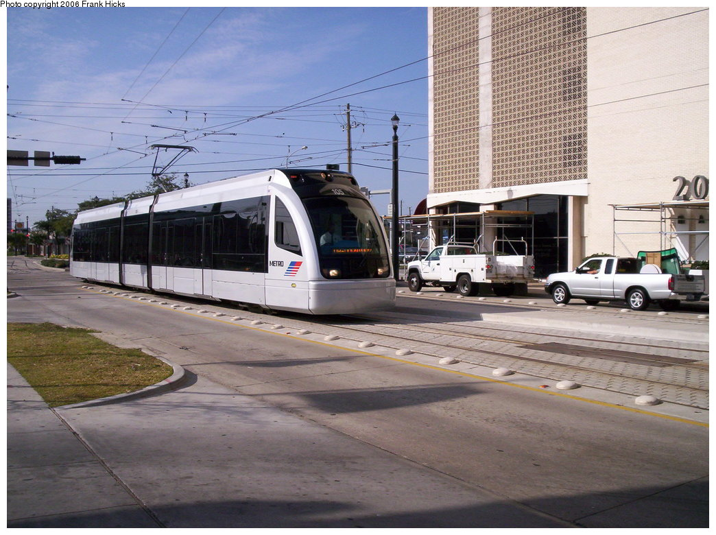 (202k, 1044x780)<br><b>Country:</b> United States<br><b>City:</b> Houston, TX<br><b>System:</b> Houston METRORail<br><b>Location:</b> Main & Gray <br><b>Car:</b> Siemens Avanto 105 <br><b>Photo by:</b> Frank Hicks<br><b>Date:</b> 1/9/2006<br><b>Viewed (this week/total):</b> 2 / 2492